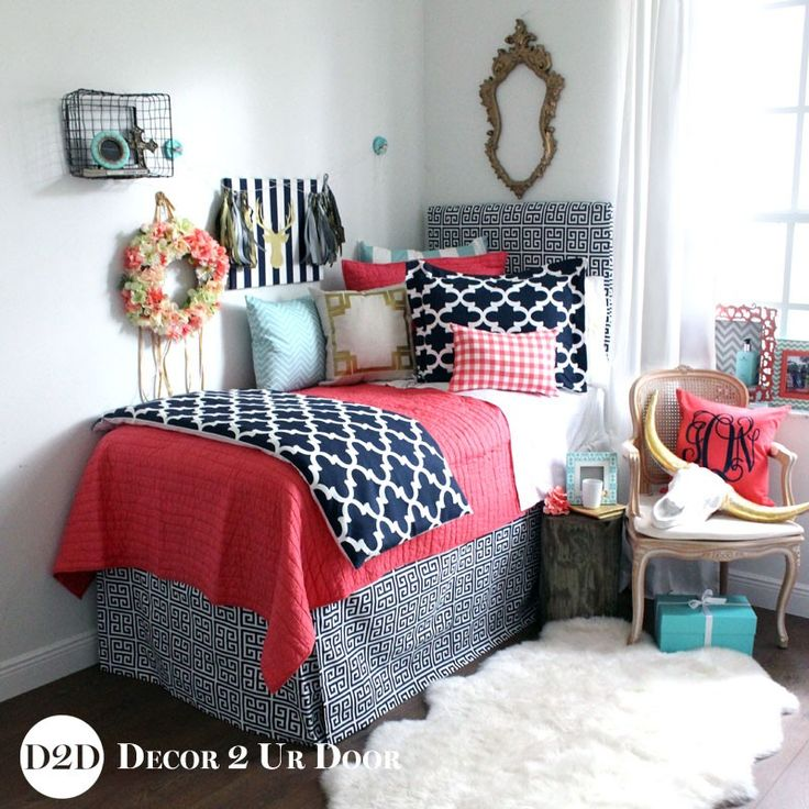 This Coral Quilt Is Paired With Canal Blue And Navy Geometrics To Create A Dorm  Bedding Set That Is Trendy And Makes A Statement. Part 16