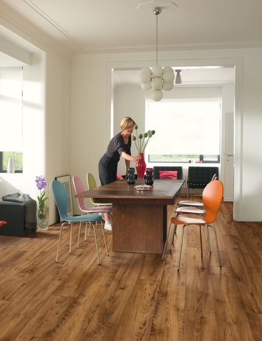 QuickStep Perspective Wide Reclaimed Chestnut Antique Planks 4v-groove Laminate Flooring 9.5 mm, QuickStep Laminates - Wood Flooring Centre