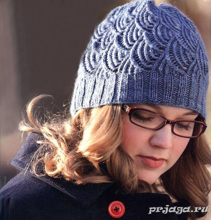Женская шапка спицами с «чешуйками». Осуществила! очень красиво смотрится! ещё митенки связала. А шарфик будет похожим узором, но в технике бриошь. Набирать петли итальянским способом.