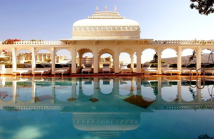 Bask in the serenity of the Taj Lake Palace pool with #NomadsSecrets