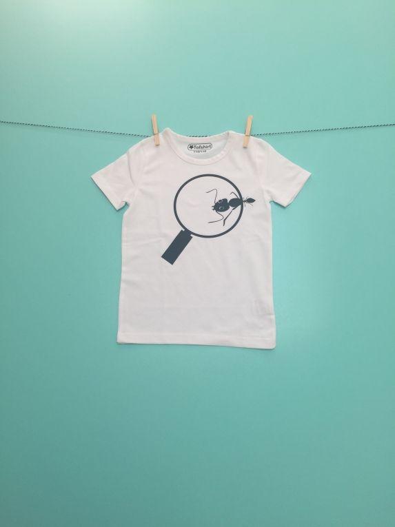 Kinder t-shirt met mier onder vergrootglas