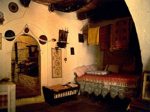 κοζανη -inside a house in Kozani-nothern greece eis2.jpg (500×375)