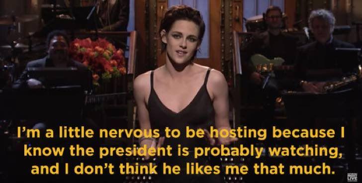 Kristen Stewart se burla de Trump en programa de televisión y remata su rutina con grosería en vivo