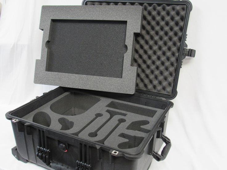 Pelican Case 1610 with Foam Insert for Oculus Rift VR System-Large Laptop (CASE & FOAM)