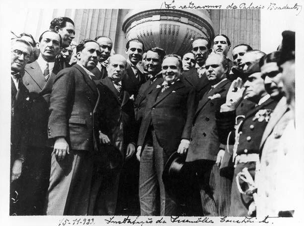 Getúlio Vargas e outras personalidades na instalação da Assembléia Nacional Constituinte, 1934. Rio de Janeiro (RJ). (CPDOC/ AM foto 028)