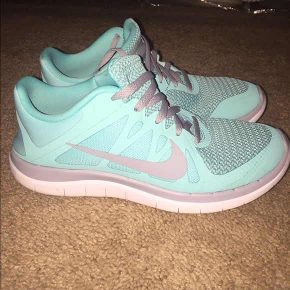 Women's Nike free run 4.0 Tiffany blue color Nike! Very light weight and comfortable, well taken care of! Nike Shoes Athletic Shoes