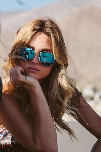 Mirrored aviator sunglasses & perfect wavy hair #fashion #style #summer | ANDWHATELSEISTHERE