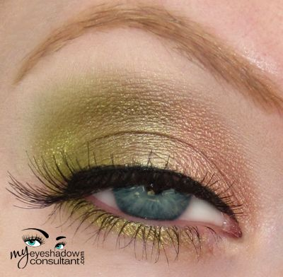 MAC eyeshadows used:  All That Glitters (inner third of lid) Sumptuous Olive (middle of lid) Lucky Green (outer third of lid) Vanilla (highlight and blend)