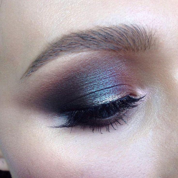 "210 Likes, 7 Comments - Школа макияжа FaceTime СПб (@sofia_baburina) on Instagram: ""Наконец то удалось поймать переливы вчерашнего Смоки  #makeup #instamakeup #cosmetics #fashion…"""