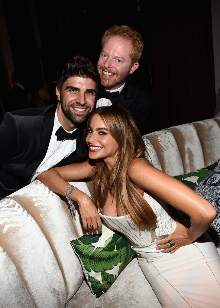 Pin for Later: Relive the Best Moments From the 2014 Emmys  Sofia Vergara and Jesse Tyler Ferguson smiled big with Jesse's husband, Justin Mikita.