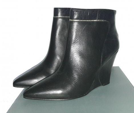 Je viens de mettre en vente cet article  : Bottines & low boots à compensés Minelli 75,00 € https://www.videdressing.com/bottines-low-boots-compensees/minelli/p-7208579.html?utm_source=pinterest&utm_medium=pinterest_share&utm_campaign=FR_Femme_Chaussures_Bottines+%26+low+boots_7208579_pinterest_share