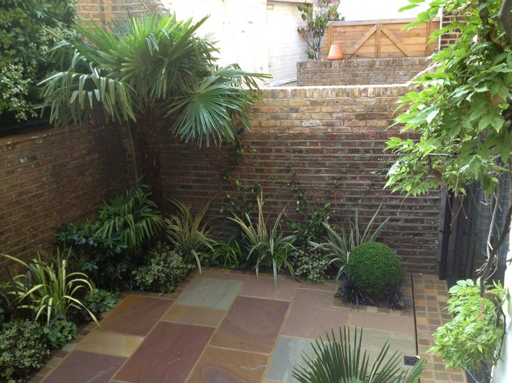 11 best courtyard garden images on pinterest courtyard for Courtyard landscaping pictures