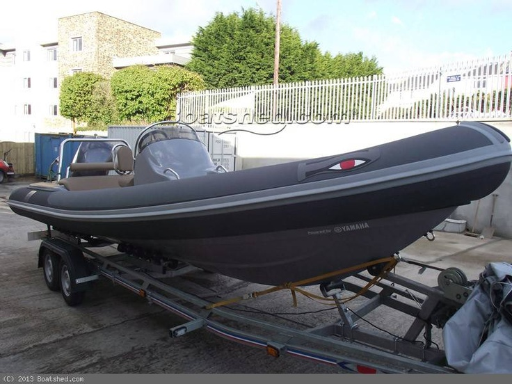 Ribeye 740SX Sunbed for sale (2013) with Yamaha F225hp, less than 5 hours. Stunning boat