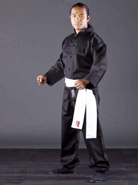 If you train hard winning is easy, if you train easy winning is hard. Here is Black Kung Fu Suit Used by many Kung Fu practitioners throughout Europe. Hardwearing, practical and comfortable. Can also be used for leisurewear.