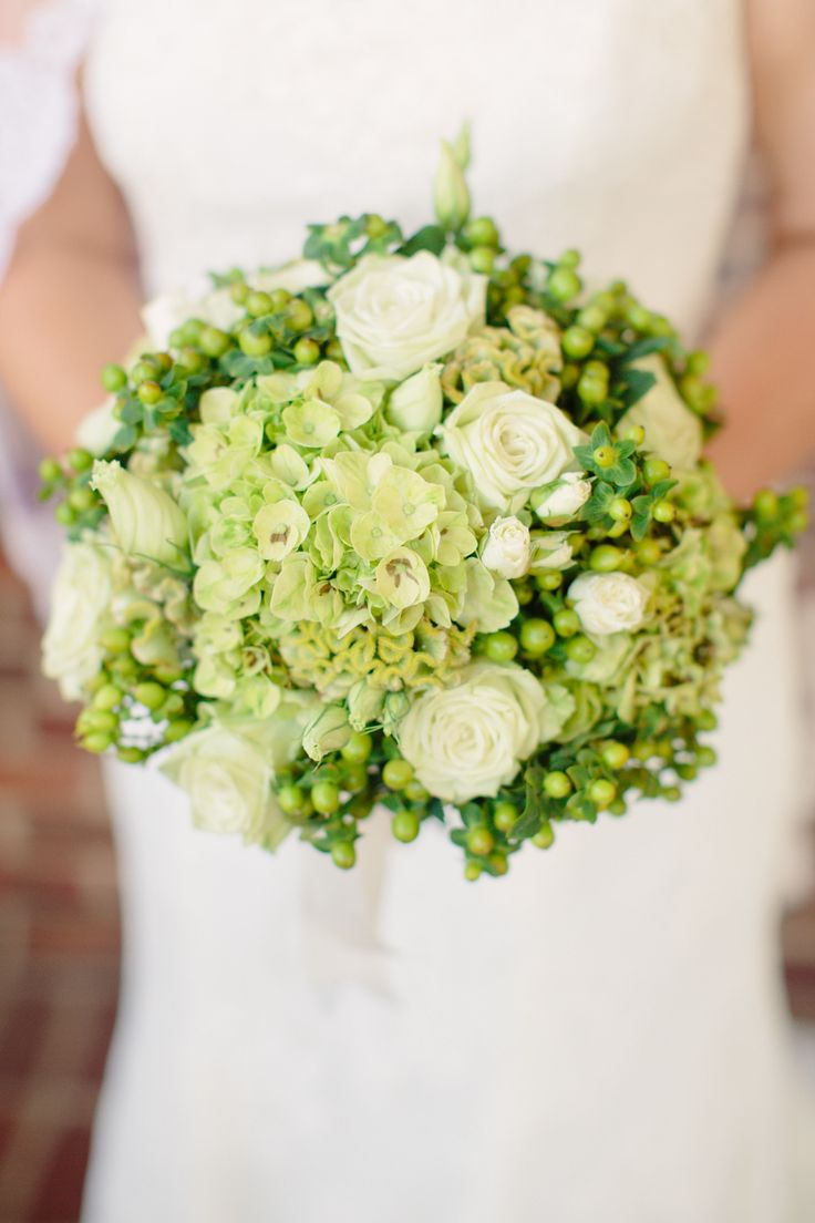 Well, hello lovely green. #bouquet Photography: Angela Newton Roy Photography - www.angelanewtonroy.com, Floral Design: Rodney Meek   Read More: http://www.stylemepretty.com/2014/06/04/traditional-meets-rustic-country-club-wedding/