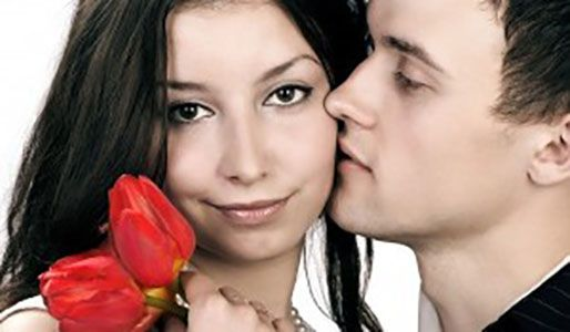 Hot Date This Weekend? You Better Check Out Your Dating Horoscope First!  Have a hot date this weekend? Then you better check to see if Fate is on your side, with a quick peek at your dating horoscope. There are several types of horoscopes. The Weste...