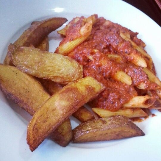 Tomato & Mushroom Pasta with Skin on Fries!