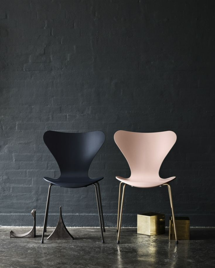 daily decorum arne jacobsen series 7 chair. We love the contrasting colours - new dining room chairs perhaps?