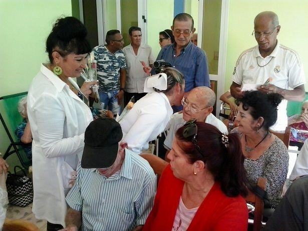 Más de doscientos abuelos de Ciego de Ávila elevaron su cultura y bienestar al graduarse en este curso escolar en