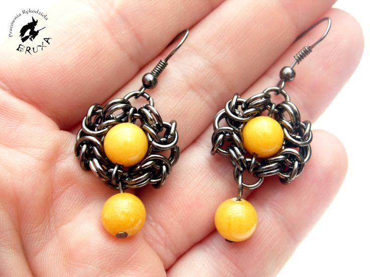 Kolczyki chainmaille, kolczyki Romanov, kolczyki z żółtym kamieniem, kolczyki z jadeitem, wiszące kolczyki