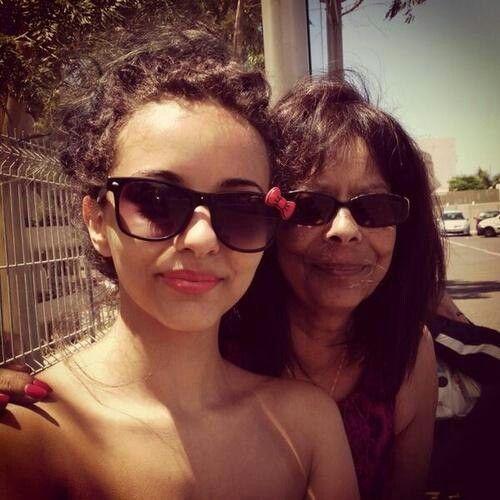 Джейд с мамой