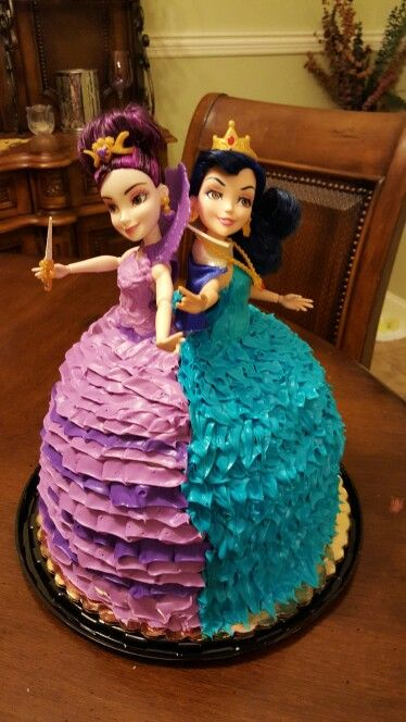 Mal and Evie Descendants cake