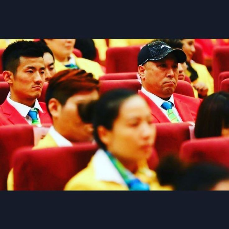 Badminton  China President Xi meets with Rio Olympic winnerd in the Great hall of the people. #superdan #xijinping #rio2016 #China #olympics #chenlong #Badminton #samba #makeithappen #countdown #roadtorio #President #timebrasil #brasil #football #brasilfootball #rionews #rioexpress #expressnews #sportsnews #instanews #instasports #tbt #like #follow #2016olympics #competition #schedule #Rumba #espanol