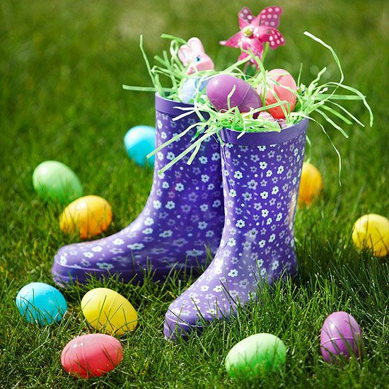 Flowery Rainboots Easter Basket -   Spring-pattern or colored rain boots serve as a neat hiding place for sweet Easter treats. Start with a layer of Easter grass tucked in the bottom of each boot. Add plastic eggs, candy, and other small items until you've reached the top, then tuck in more faux grass for a pretty Easter display.