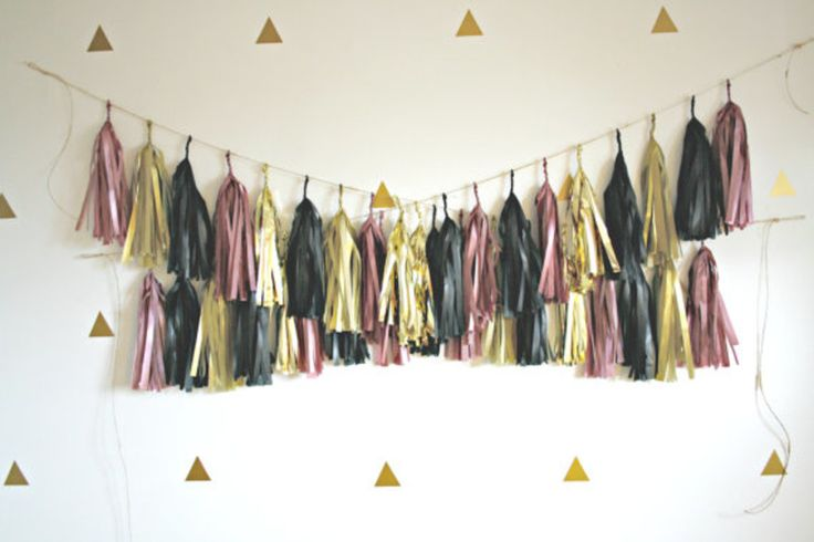 7 Must-Haves for a DIY Photo Booth | College Fashion