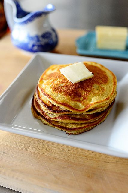 Pioneer Woman's Sour Cream Pancakes;  Need to try it with greek yogurt