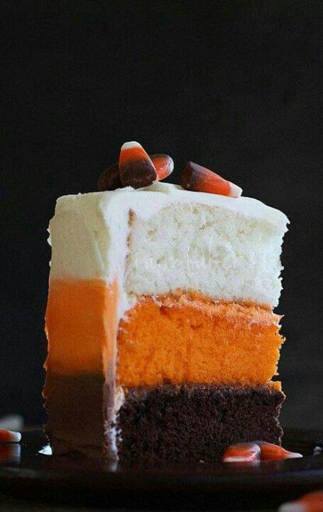 Halloween cake. I could actually do this one! Maybe do White, Yellow, Pumpkin so it's like candy corn.