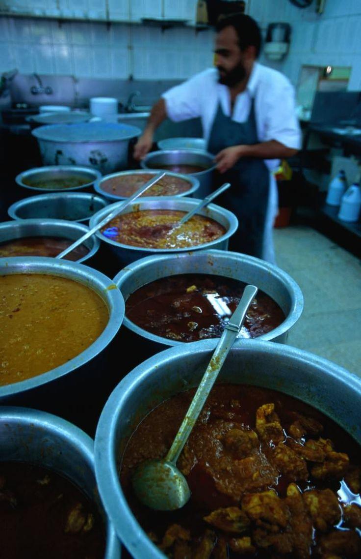 Karama Market / knock-offs and cheap tat and cheaper food