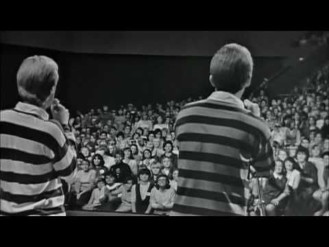 ▶ Jan and Dean Live - Little Old Lady from Pasadena - YouTube