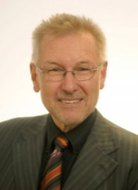 Hr. Prof. Dipl.-Ing. Dr. Robert Schawarz