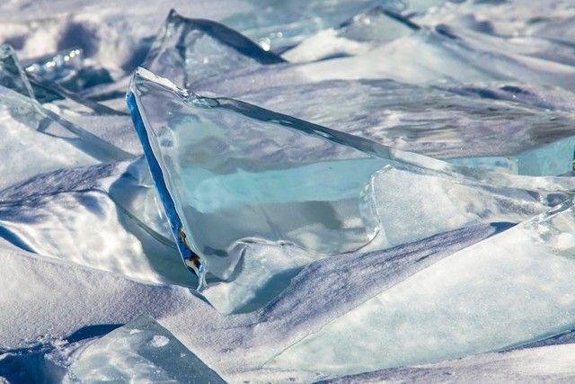 すごい透明度の氷。水がそのまま固まったよう。