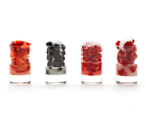 #SummerFood #Berries #BerryCocktails #Dessert #FreshFood #HealthyFood #FruitPunch #Fruits #Fruit #Recipes #FineFood #Essgobar #Catering #StefanSchüller #Zurich #Switzerland #Foodies #BestTaste #StarChef #SchlossSihlberg #BusinessEvents #FlyingDinner