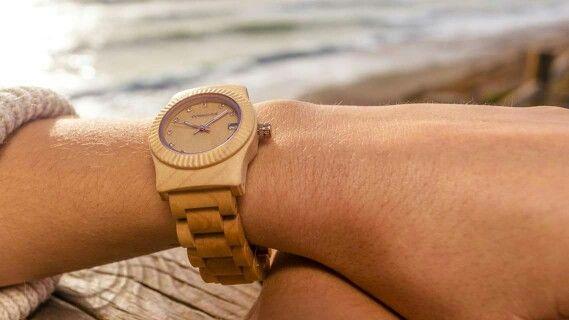 Reloj de madera COHNQUER Serenity Maple. Un reloj original con el que sentirás un vínculo con la naturaleza #RelojdeMadera #moda