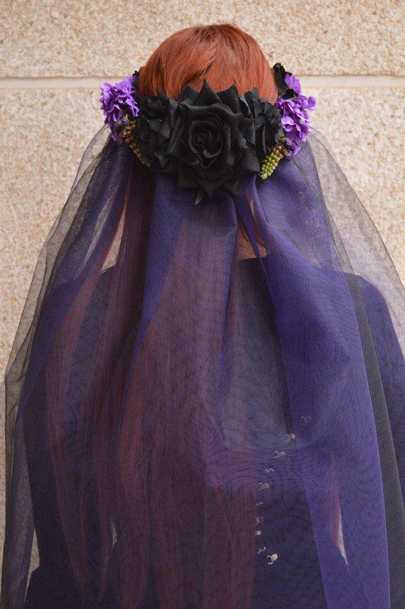 Zwarte paarse sluier hoofdtooi Aurora van NebulaXcrafts op Etsy