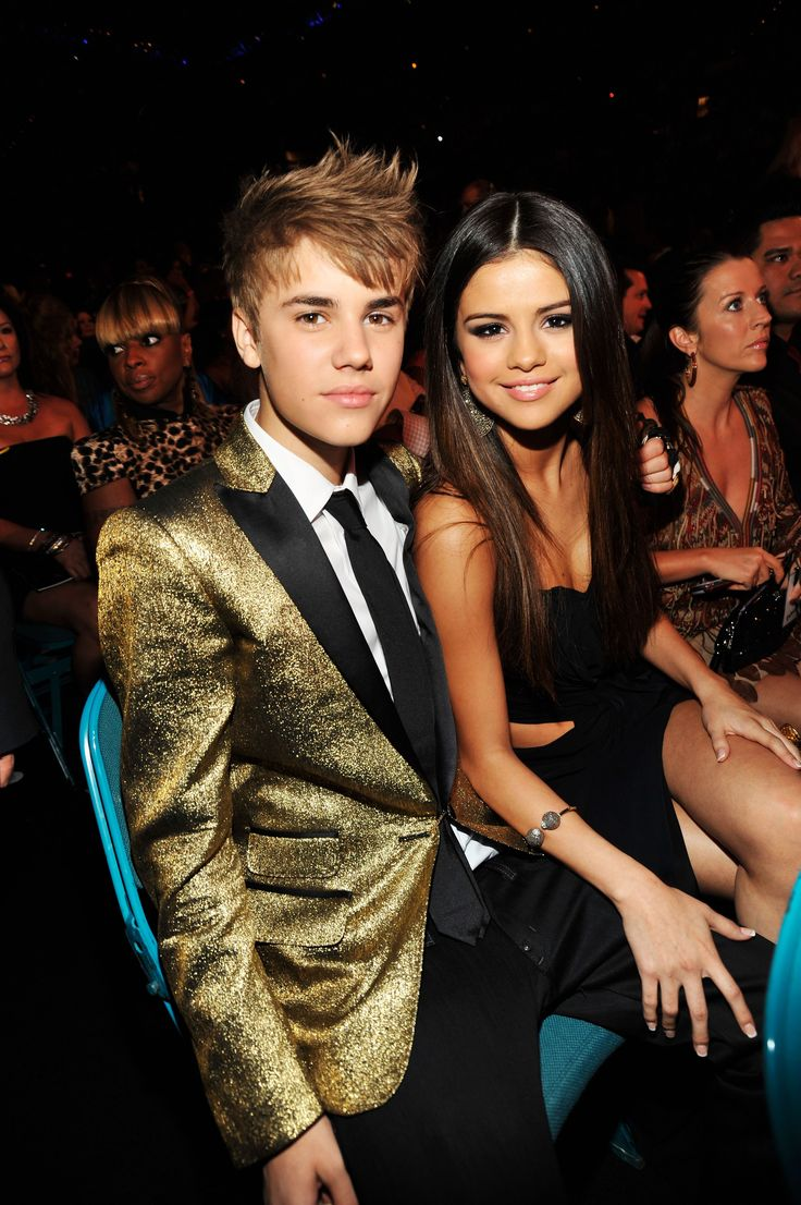 Wait, Selena Gomez Changed Her Hair Again? Justin bieber