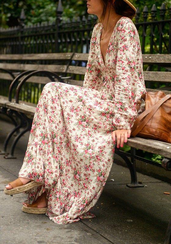 f85bef9c711 Robe maxi longue imprimé à fleurs volantées col V plongeant manches longues  bohème multicolore
