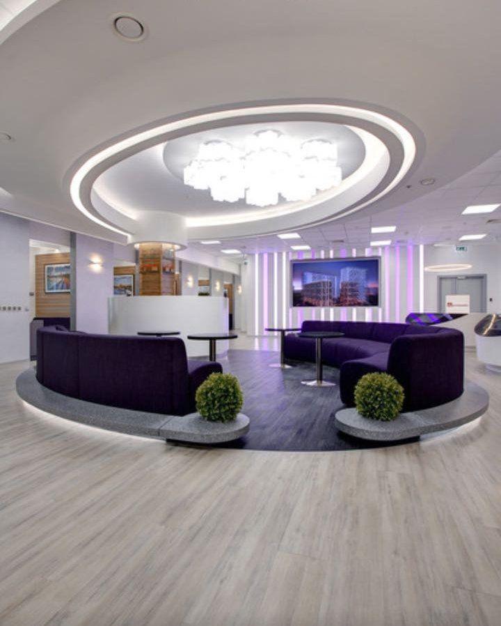 Ресепшн из акрилового камня. Дизайн офиса, дома, квартиры. Уютный офис, красивый. Изготовление ресепшна в Москве. Белый ресепшн стойка.