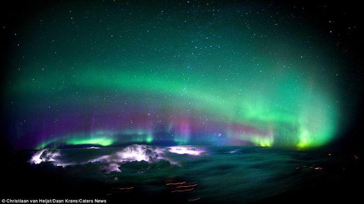 Завораживающие фотографии, снятые из кабины авиалайнера