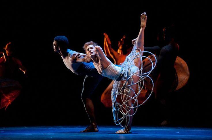 Atenção, dançarino de plantão! Se você sempre sonhou em fazer parte do elenco do Balé da Cidade de São Paulo, mantido pela Fundação Theatro Municipal de São Paulo, não pode deixar de participar do processo seletivo de bailarinos para a Temporada 2016 da companhia.