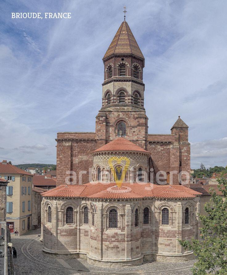 Basílica de Saint-Julien de Brioude. Interesante ejemplar de estilo #románico en la región francesa de Auvernia