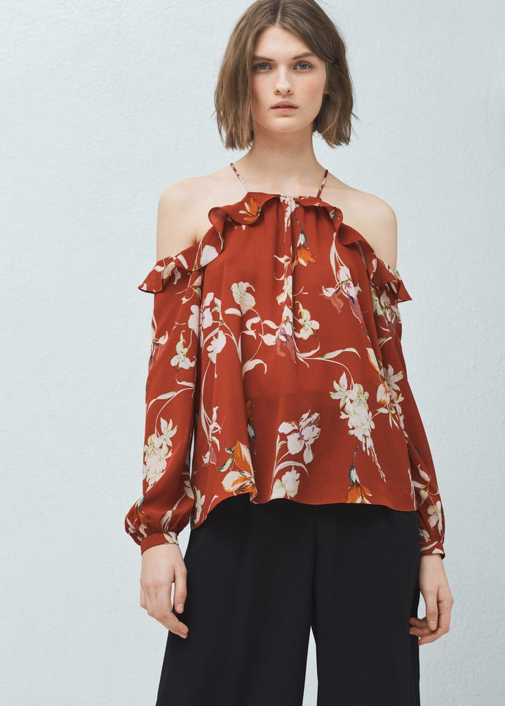 Off shoulders blouse -  Woman | MANGO Iceland