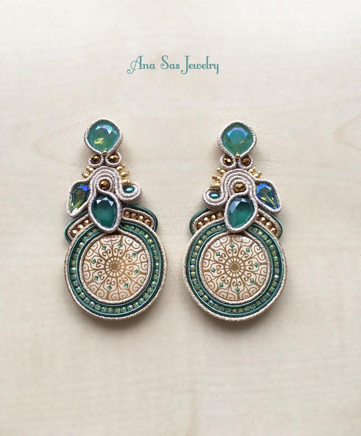 """69 aprecieri, 2 comentarii - Ana Sas (@anasasjewelry) pe Instagram: """"#soutache #earrings #anasasjewelry #statementjewelry #statementearrings #fattoamano #handmade…"""""""
