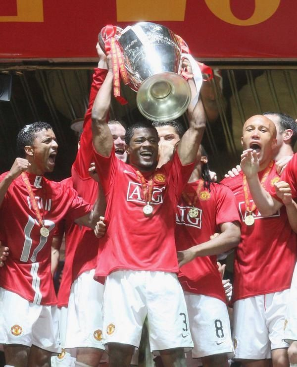 """Upon announcing he was leaving us, Evra said: """"Joining and playing for Manchester United has been a privilege and a dream come true."""""""
