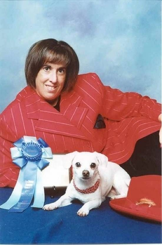 family-dog-photos-4: Family Portraits, Pet, Dogs Show, Awkward Photo, Awkward Families Photo, Funnies, Families Portraits, First Place, Dogs Photo