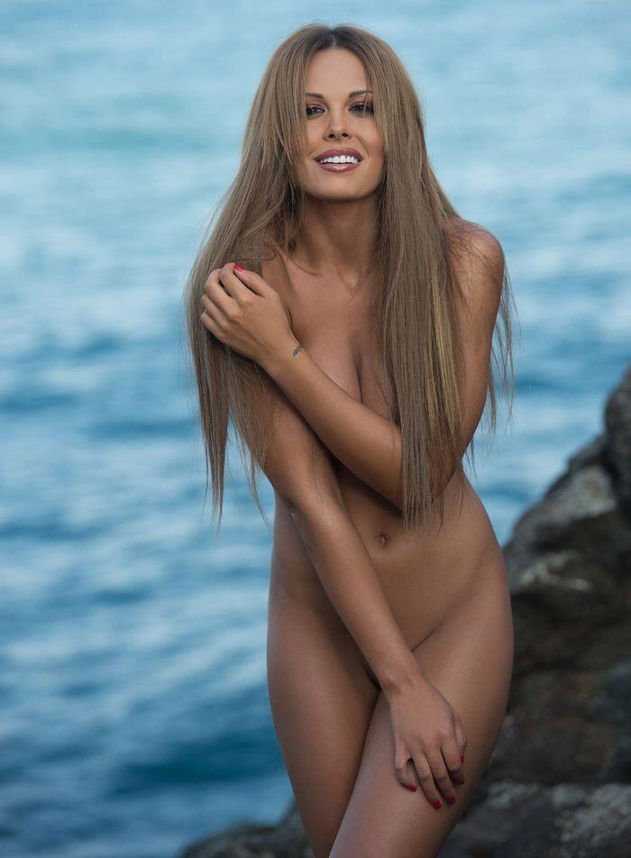 Видео фото фото девушек актрис русские голые тетей
