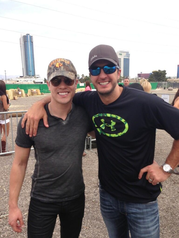 Dustin Lynch and Luke Bryan..... Could this photo get any better??? #LukeBryan #DustinLynch #CrashMyPlaya